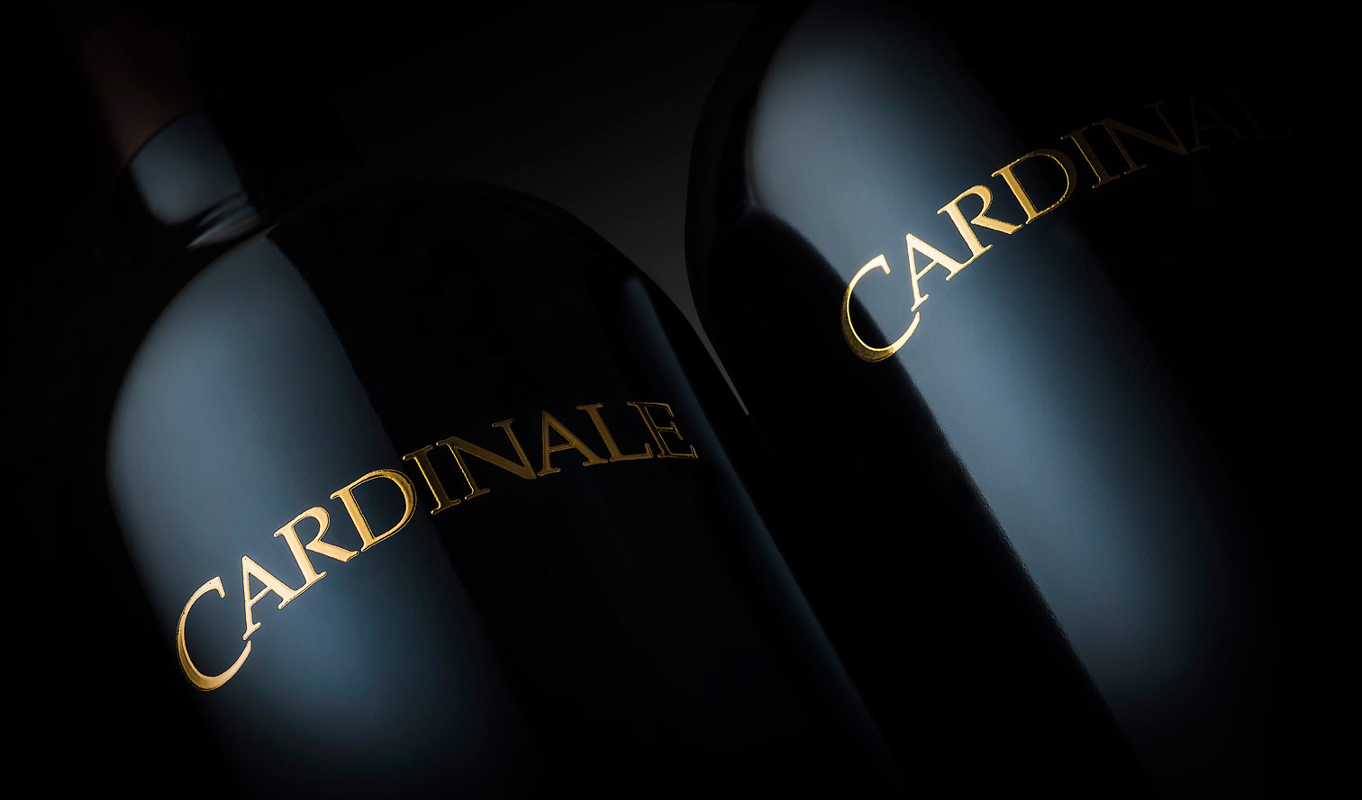 CARDINAL-2-BOTTLE-ON-BLACK